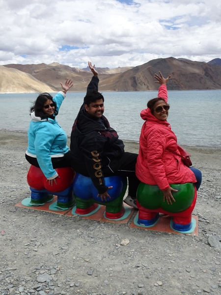 3 Idiots chairs