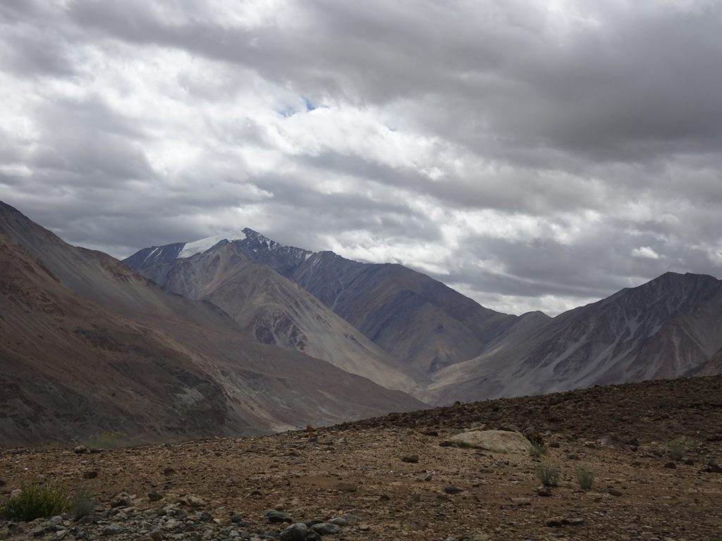 Scenic views en-route to Pangong - Leh Ladakh itinerary