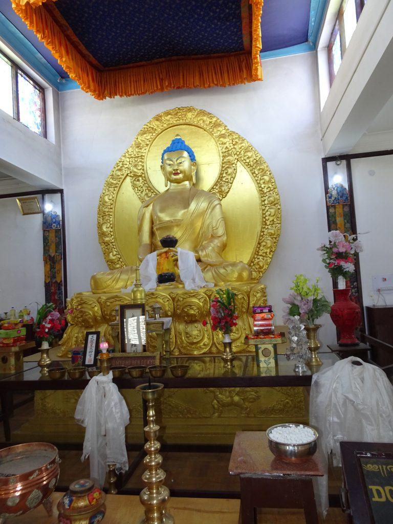 Shanti Stupa - Temple mid-way