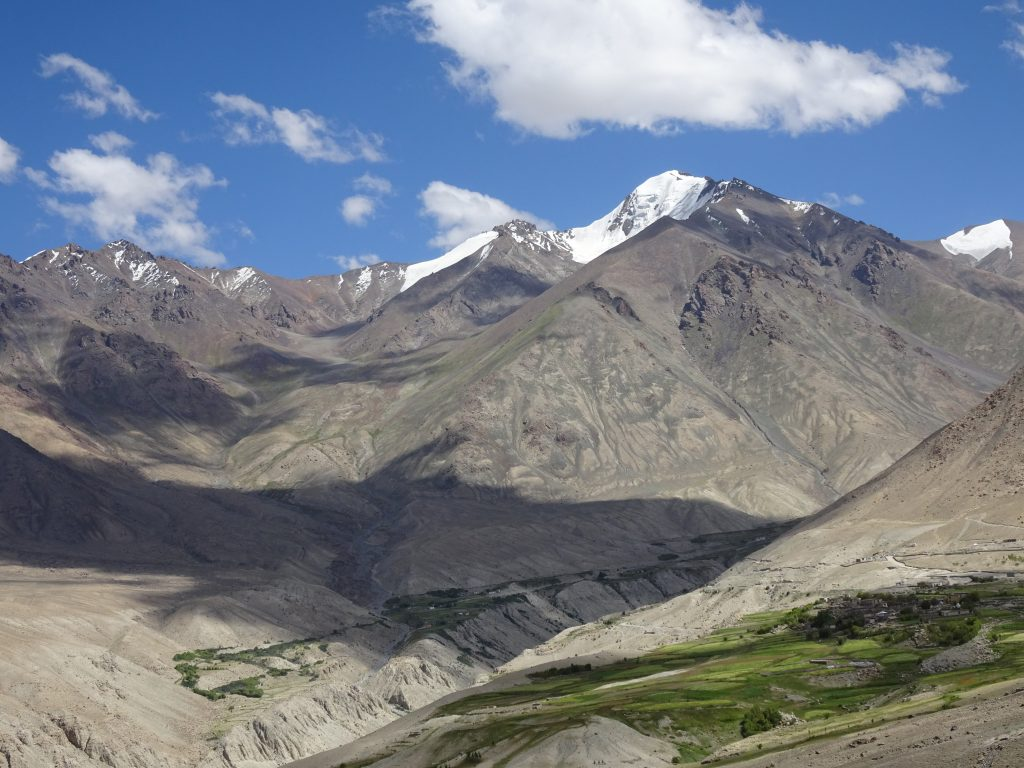 Drive to Nubra Valley
