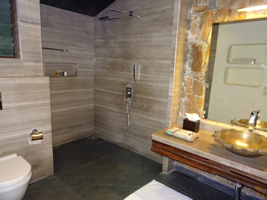 Bathroom at Serai Bandipur