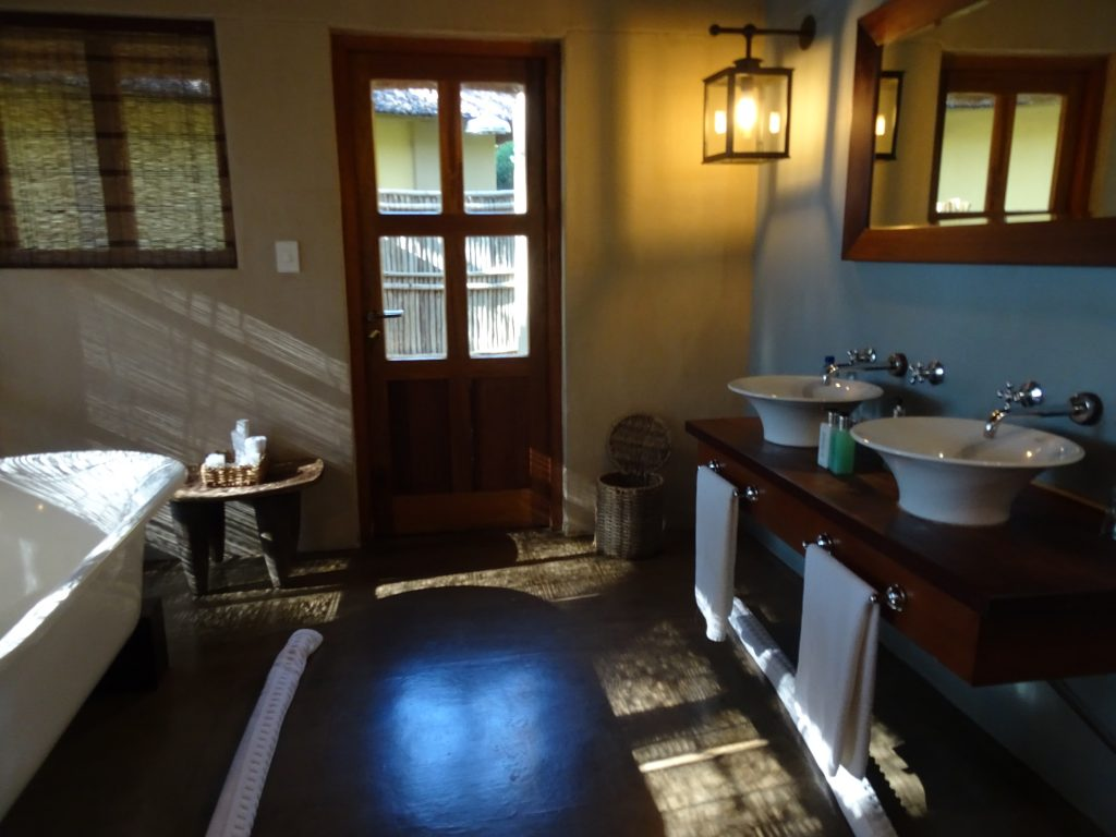 Bathroom at Divava Okavango Lodge