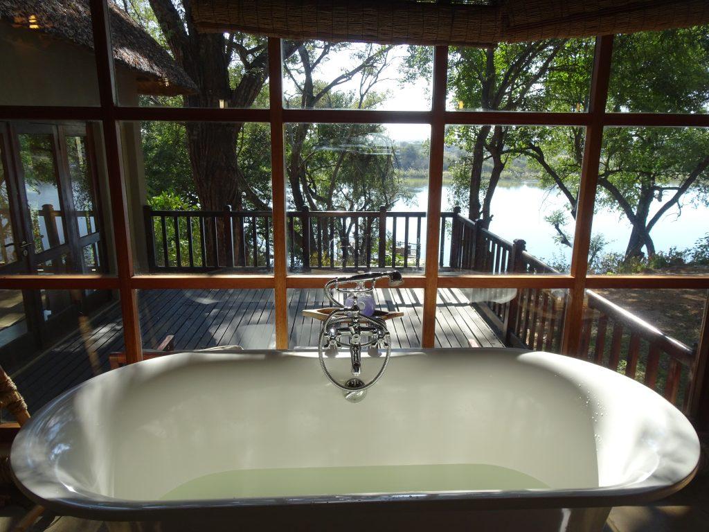 Bathtub with a view at Divava Okavango Lodge