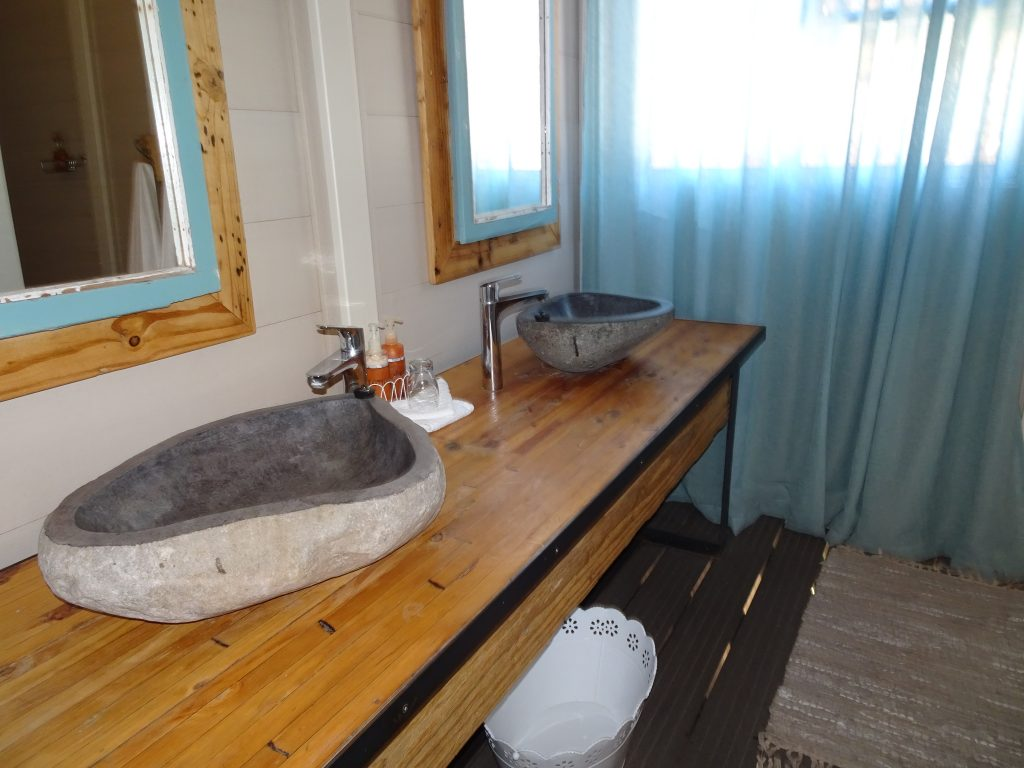 Big Bathroom at Spitzkoppen Lodge